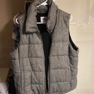 Polyester/acrylic & wool blend vest